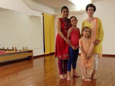 la maestra e le aspiranti ballerine